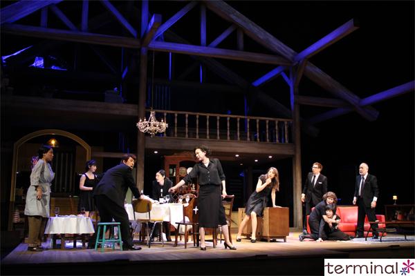 『8月の家族たち August:Osage County』舞台写真