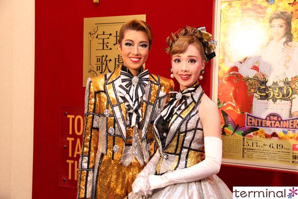 宝塚歌星組公演『こうもり』『THE ENTERTAINER!』 北翔 海莉、妃海 風 囲み取材