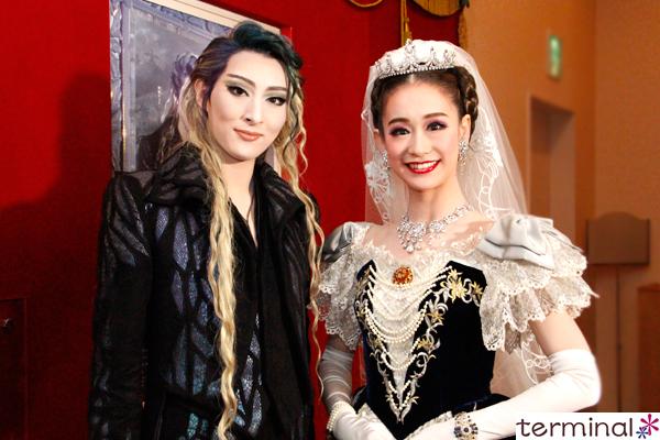 宝塚歌劇 月組公演『エリザベート-愛と死の輪舞(ロンド)-』 珠城りょう、愛希れいか 囲み会見