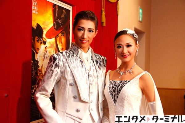 宝塚歌劇団 宙組公演  『El Japón-イスパニアのサムライ-』『アクアヴィーテ!!』 真風 涼帆、星風 まどか 囲み取材