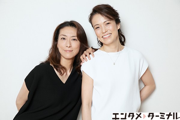 『楽屋―流れ去るものはやがてなつかしき―』に出演する彩吹真央さん、小野妃香里さんのインタビュー